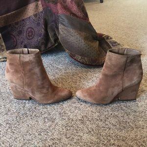 Sam Edelman Tan suede Wilson Urban Outfitter boots